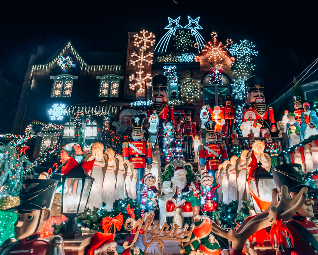 Dyker Heights Brooklyn Christmas Lights.How To See The Dyker Heights Christmas Lights In Nyc
